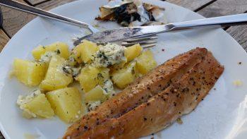 Din Fiskeguide - Røget makrel på tallerken